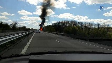 Quand un camion explose devant les caméras sur l'autoroute A20