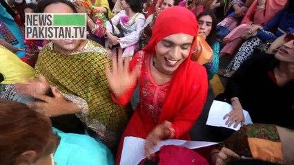خواجہ سراہوں کا سوشل ویلفئر ڈپارٹمنٹ حکومت سندھ کے خلاف احتجاج