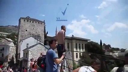Неудачно прыгнул с моста