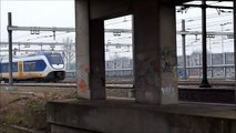 2630, SLT richting Rotterdam en Fyra richting Dordt passeren Barendrecht, 29-1-2012.