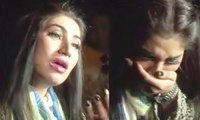 Qandeel Baloch crying for Imran Khan outsite PTI Jalsa in Lahore