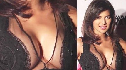 Rochelle Rao Hot at Nykaa Femina Beauty Awards 2016.