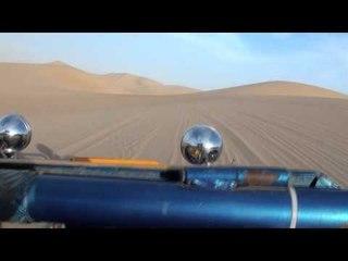 PÉROU : Sandboarding SURFER SUR LES DUNES de sable à Huacachina