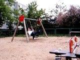 Kinder auf dem Spielplatz 2