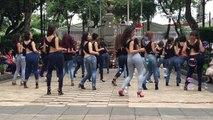 Une danse qui donne envie de prendre des cours... Quel déé