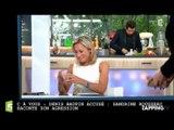 Roselyne Bachelot offre des préservatifs à Anne-Sophie Lapix dans C à Vous