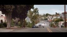 Une voiture explosée dans un clip de rap pour une pub d'assurance aux Pays-Bas