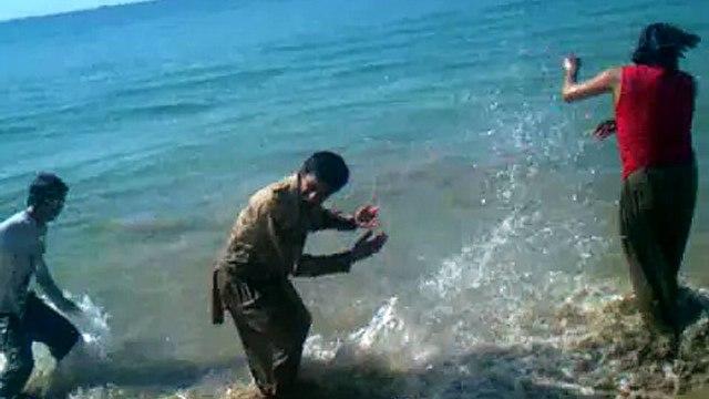 sunni tehreek shahdra krachi ma 29 1 2012 markaz sa smundar ki sair kar rha han