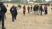 A Calais, nuit de tensions entre migrants et policiers - Le 11/05/2016 à 23h50