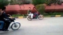 world best bike stunts in pakistan - Dangereous Bike wheeling with Stunt