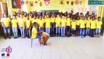 Chant chorale Un enfant peut faire chanter le monde