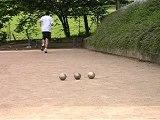 tir sur la boule du milieu entre 2 boules a 14 mètres