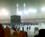 MashaAllah ! Heavy Rain in Khana Kaaba during Maghrib Prayers