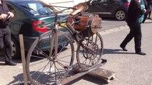 Hommage à l'inventeur de la moto