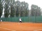 2006-10-10 me playing tennis 2