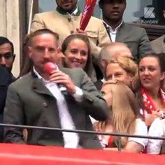 Ribéry chante « Les Champs-Élysées »