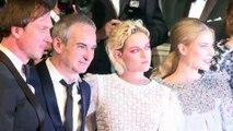 """Cannes : Kristen Stewart et Olivier Assayas sur le tapis rouge pour le film """"Personal Shopper"""""""