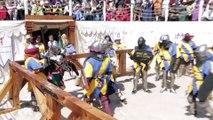 Reconstitution à armes réelles de combats du moyen age avec épées, boucliers, lances !