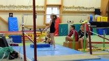Compét' Intra club le 28 novembre 2015, Juliette à la barre asym