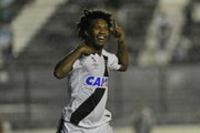 Iluminado! Relembre outros gols decisivos de Rafael Vaz pelo Vasco em 2016