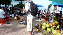 バリ島 バリ人のお正月はサヌールビーチ 2010/1/1 サヌールの海岸