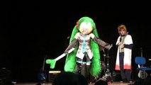 Cosplay Miku Hatsune Vocaloid bailando ievan polkka I Jornadas Damned Madrid 22-05-2010