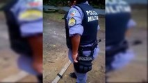 O coice da arma que essa velha novata tomou no curso para polícia militar - Funny videos, engraçados, sem noção, fails