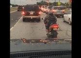Quand un nain motard s'arrête au feu rouge !