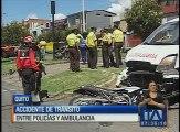 Se registró un accidente de tránsito entre policías y una ambulancia