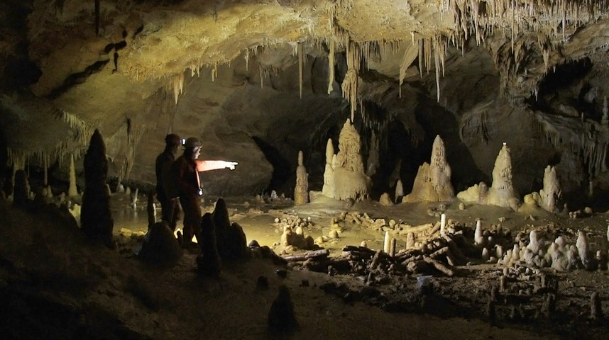 Cave Structures Shed New Light on Neanderthals