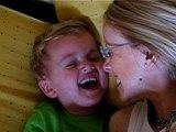 Antoine rigole avec sa maman 2 juillet 2007