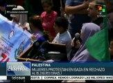 Mujeres palestinas protestan en Gaza contra el bloqueo israelí