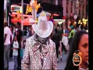 Vidéo – Regardez comment le chanteur Dame Sène se moque du clown aux USA