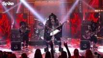 "CeeLo Green performs KISS' ""Rock and Roll All Nite"" 
