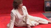 La mexicana Angélica María recibe su estrella en el Paseo de la Fama de Hollywood