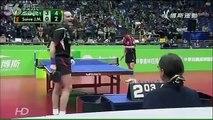 Voici la plus drôle de toutes les parties de ping-pong du monde