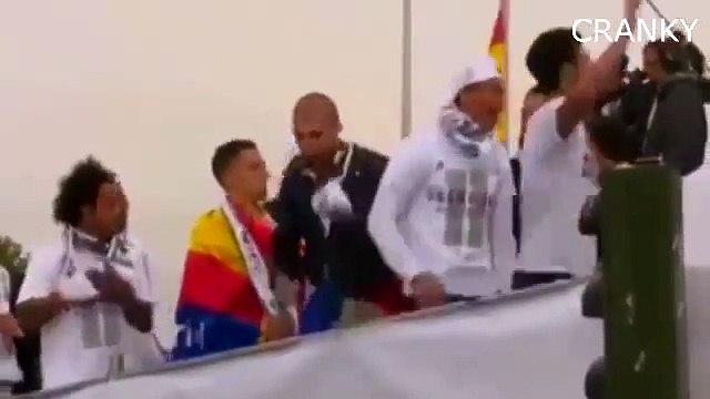 Cristiano Ronaldo Baile en la victoria del Real Madrid en autobús desfile 29_05_2016