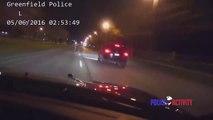 Ce policier va prendre tout les risques pour arreter ce chauffard à plus de 160km/h