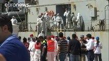 Crise migratória: pelo menos 700 mortos em naufrágios no Mediterrâneo