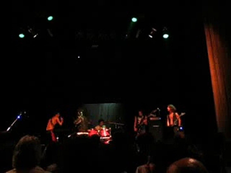 Asfixia - Atravesando todo limite (Hermetica) en vivo en el Teatro de Flores (27/2)