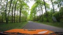 Accident de Rallye filmé au ralenti dans une plaine en République Tchèque