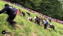 Concours de descente d'une colline entre roulades et gamelles - Gloucestershire Cheese Rolling 2016