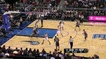 Dwight Howard throws the ball off Quinn's head (Dec 23)