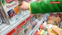Quimperlé. Etiquetage anti OGM au Leclerc par les faucheurs volontaires