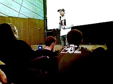 François Ruffin débat avec la salle de L'Ecran de Saint Denis le 15 janvier 2016 (avant-première Merci Patron)