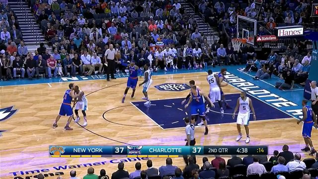 Carmelo Anthony 29 pts 3 threes 6 rebs 4 asts vs Hornets 11.11.2015