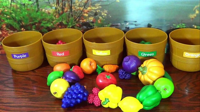 LEARN COLORS, Fruits & Veggies with Sorting Fruits and Vegetables Color Toy Basket Set!