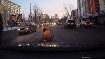 Parfois, les russes sont gentils au volant