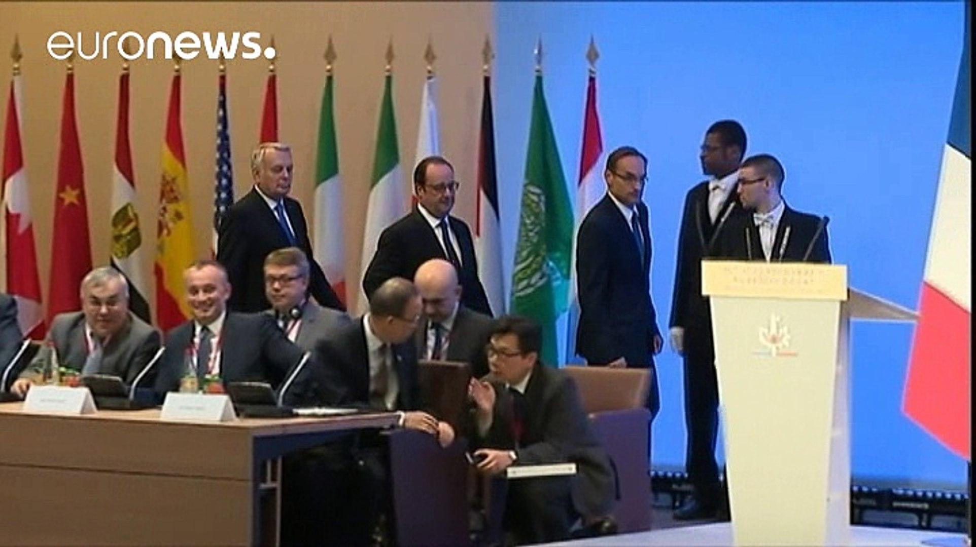 Vertice sulla pace in Medioriente a Parigi. Vuote le sedie israeliane e palestinesi
