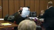 La reacción de un padre cuando el violador y asesino de su hija sonrió en pleno juicio